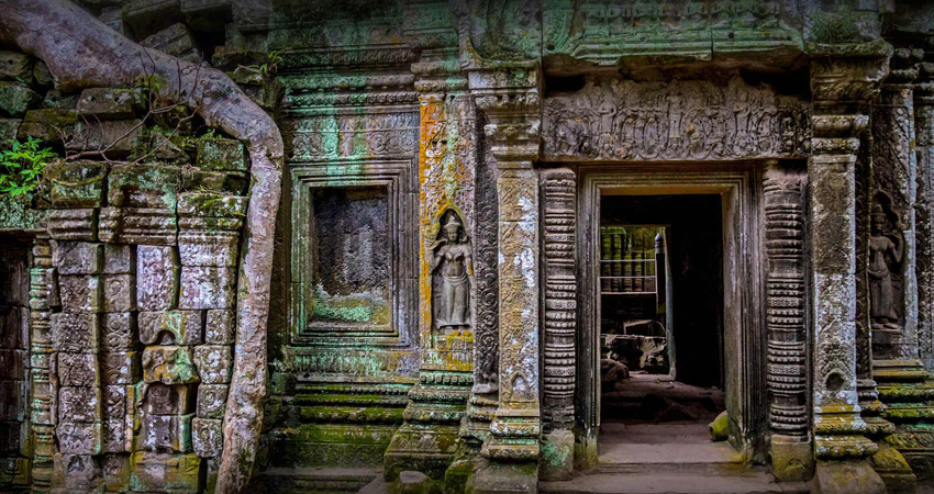Full-day Small-Group Angkor Wat Tour from Siem Reap