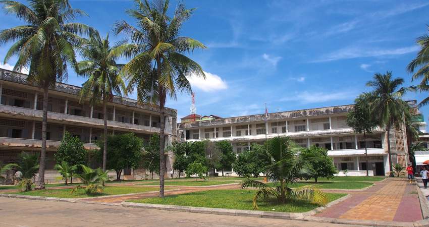 Phnom Penh Royal Palace, Silver Pagoda, and Tuol Sleng Genocide Museum Tour