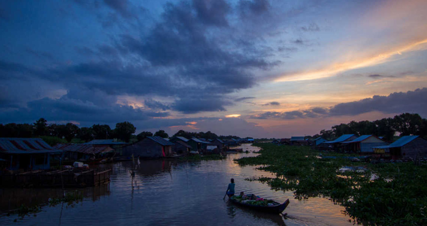 Small Group Sunset Cruise on Tonle Sap Lake with Cambodian drinks and Canape