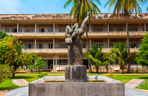 Half-Day Tour - Tuol Sleng Genocide Museum and Choeung Ek from Phnom Penh
