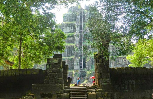 Beng Melea and Koh Ker Temple - Group Tour