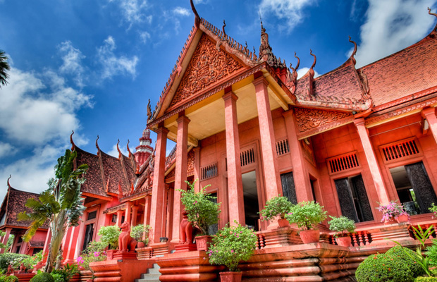 Full-day Private Phnom Penh National Museum and Royal Palace Tour