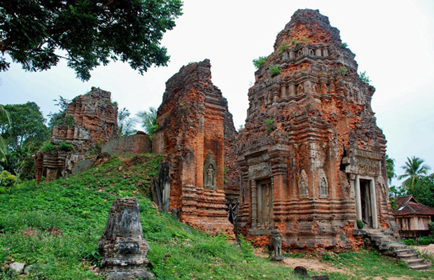 Roluos and Kompong Phluk tour 1Day